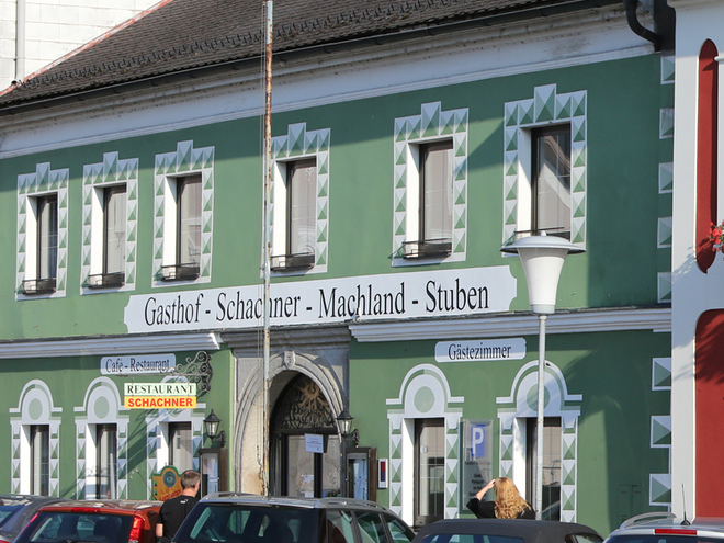 Gasthof Schachner - Machland-Stuben, Außenansicht (© Stadtmarketing PERG, Mag. A.Schneider)