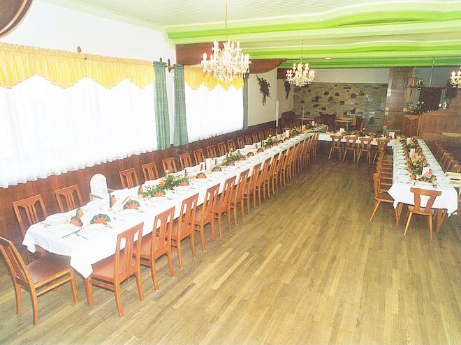 Saal des Gasthaus Wieser (© Carina Traxler)