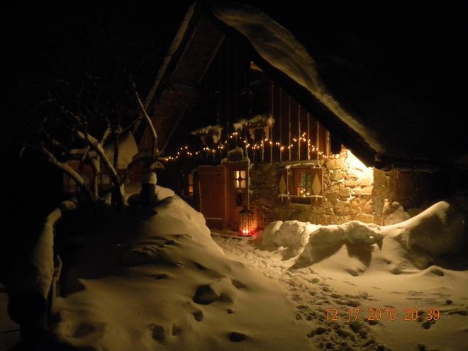Romantische Winterabendstimmung auf der Grögernalm (© Grögernalm, Fam. Ausweger)