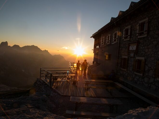 Adamekhütte Terrasse (© Martin Scherr)