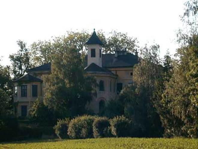 Schloss-Auhof.jpg