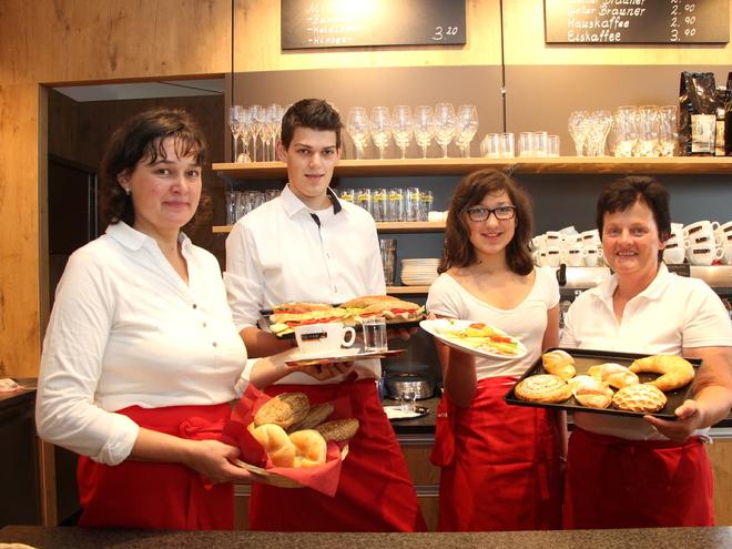 Wir freuen uns auf Ihren Besuch in unserem Kaffeehaus (© Carina Traxler)