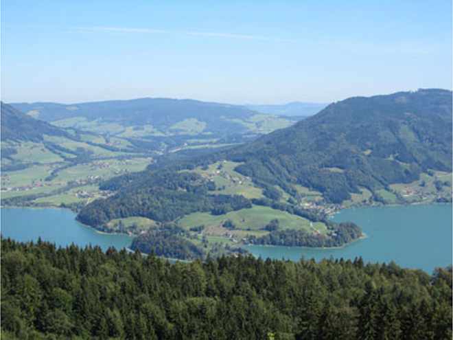 view point to the Mondsee and Wolfgangsee (© Tourismusverband MondSeeLand)