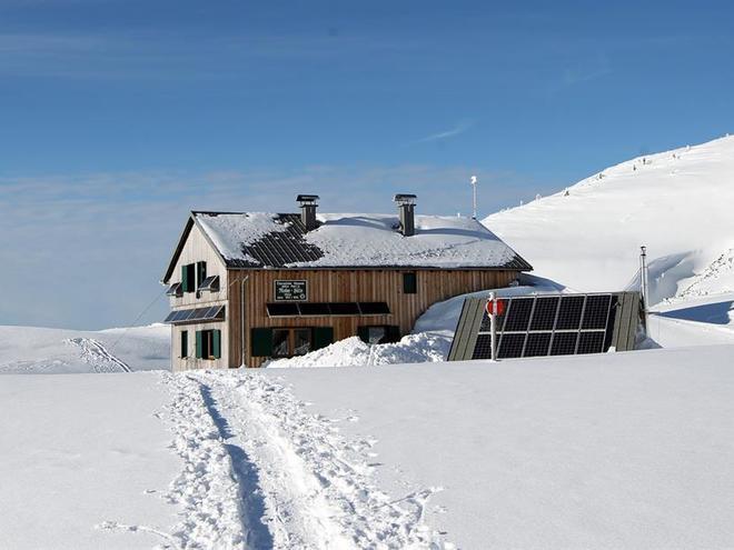 Riederhütte im Winter (© Alpenverein Sektion Ried)
