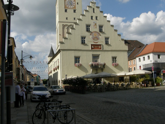 Stadtplatz von Deggendorf (© Hans Wieser)