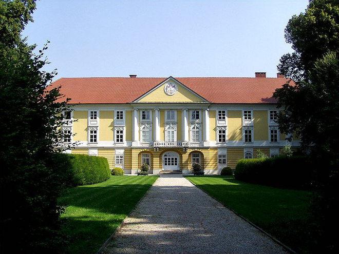 Schloss-Starhemberg.jpg