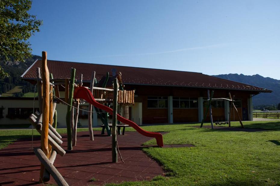 Wunderschöner, neu erbauter Kinderspielplatz in Tannheim